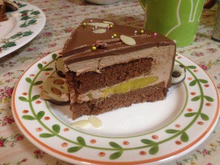 IMG_1435 チョコレートムースケーキ マンゴー.jpg